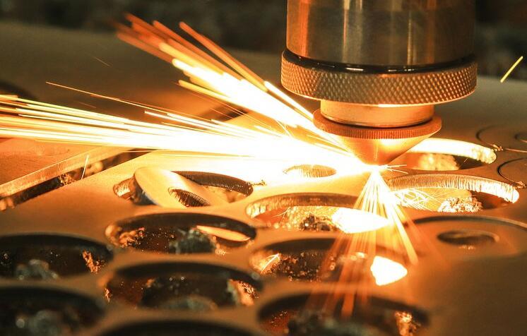 光纤激光切割机发展前景如何?有什么优势?