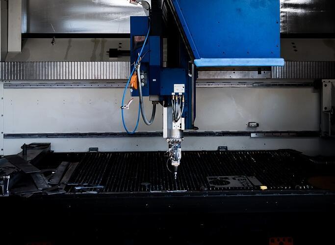 如何区分二氧化碳激光切割机和光纤激光切割机?